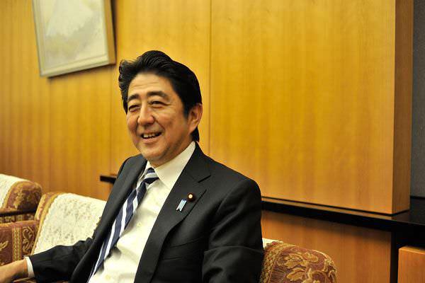 20140110_prime-minister-abe_LP2-2.jpg